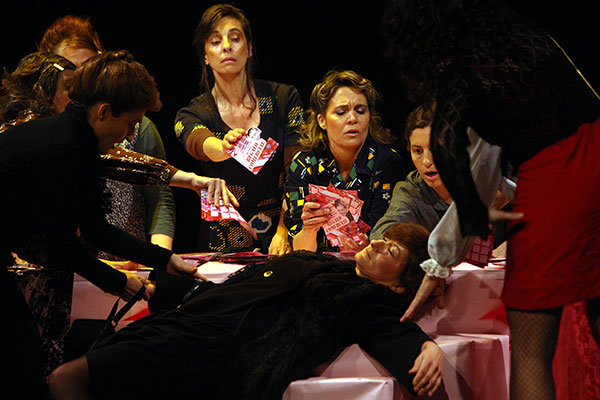 Olga Munté, Mayte Calvo, Rosa Bou i una Helena Kruyer mig morta!